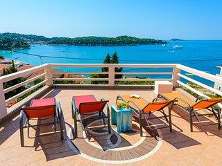 Panoramic sea view Villa close to the beach