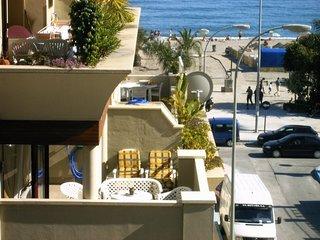 AP273 Front line, 2 bedrooms, Burriana Beach, Nerja
