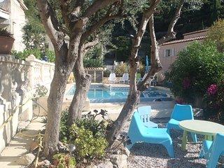 T2 PISCINE DANS VILLA  TOULON, Toulon