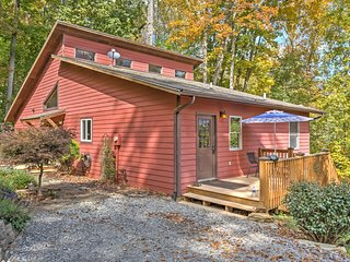 NEW! 4 BR Waynesville House w/ Decks & Hot Tub