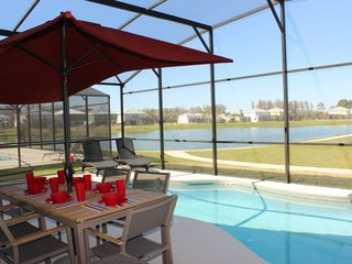 Lovely 4 Bedroom Pool Home Located in Bella Vida. 337MB, Kissimmee