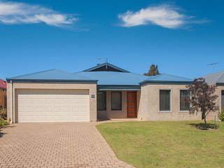 9 Troon Loop Dunsborough