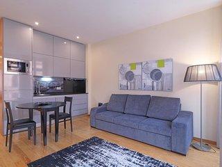 Sao Bento III apartment in Sé {#has_luxurious_ame…, Oporto