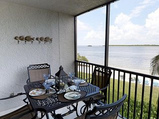 Bay View Tower #136 - Sanibel Harbour Resort