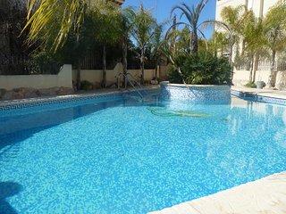3 Bed 1st F/Apt / Pool / A/C -Playa Flamenca #28A