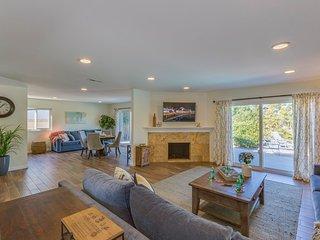 The Oshkosh Home by Twelve Springs - 5 Bd Spacious Retreat!, Anaheim