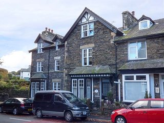 ROTHAY, quality first floor apartment, king-size beds, underfloor heating, in Windermere, Ref 946310