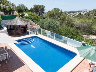 Casa Estacey SLEEPS 10 WALKING DISTANCE TO MORAIRA KIDS PLAY AREA WITH 10X5 POOL