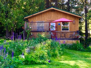Pet Friendly Kootenay Cottage, Nelson