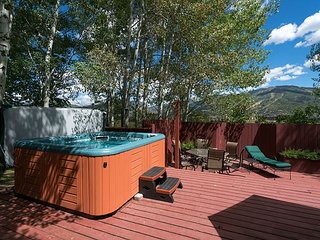4BR, 3BA Tree Haus Home with Mountain-View Hot Tub – Minutes to Ski Area