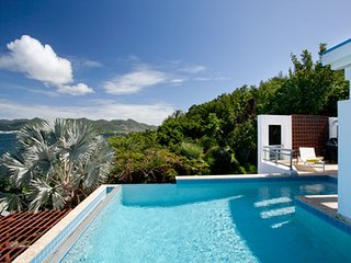 Magical 5 Bedroom Villa in Simpson Bay