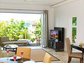 Magical 2 Bedroom Villa in Dawn Beach, Oyster Pond