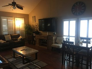 *Super Bowl 2017* 3 Story Town Home in Eado