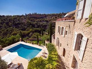 Stunning Panoramic Views at this 4 Bedroom Home in Gordes