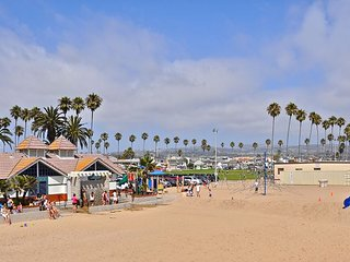 NEWLY REMODELED OCEANFRONT Dream RELAXING PATIO NEWPORT BEACH - 3 car parking