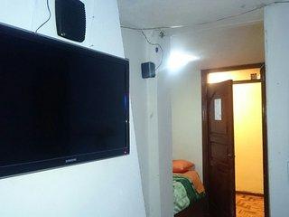 Hostal Rosales - 2 cuadras de Hospital de Solca, San Antonio de Pichincha