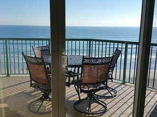 Newly Renovated Luxury Beachfront Condo Right on the Beach, See & Hear the Waves