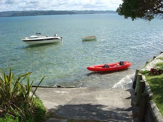 New waterside apartment with expansive view of the harbour, Ruakaka