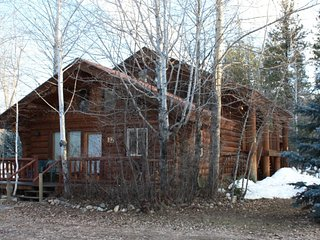 Sleeping Wolf Log Townhome at Wolfridge Resort