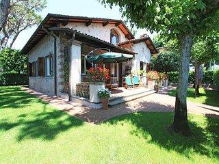 3 bedroom Villa in Forte dei Marmi, Tuscany, Italy : ref 5241022