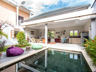 Affordable, Nice and Quiet 2 Bed Rooms Villa, Jimbaran