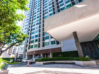 Central Pattaya Residence, B23 88/1083 Jazmine Room (Located at The Base Condo)