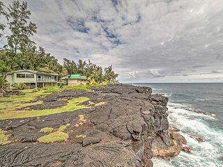 Oceanfront 2BR Keaau Sunrise Paradise House!