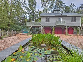 Charming Scottsville Cottage on 12 Private Acres!