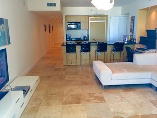Oceanfront Modern Luxury Condo - 1 Bedroom, Hallandale Beach