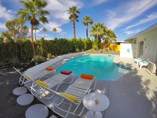 Palm Springs Midcentury Modern Pool Home