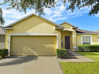 Economical, Pleasant 5BR 3BATH pool home with game room from $105/night, Orlando