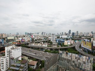Apartment Near Pratunam in City Center