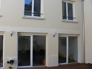 Maison tout confort hypercentre Reims terrasse parking 10 personnes