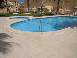 2 X 2 Bed Properties - Sleeps 8 / Wi-Fi / A/C / 2 Communal Pools - Cabo Roig