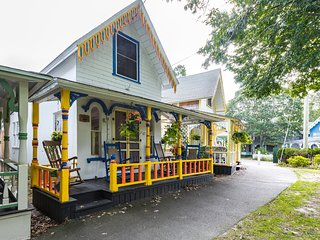 OCALC - Adorable Campground Cottage, Overlooks Park , Walk to Town and Ink Well, Oak Bluffs
