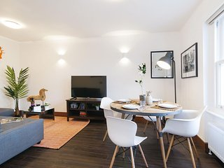 The Holland Road Residence III  apartment in Hammersmith with WiFi.