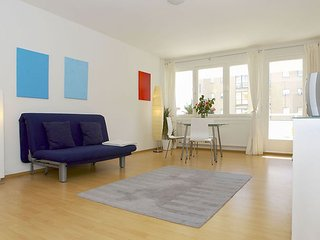 Spacious Lasker Schuler 010 apartment in Mitte - Tiergarten with WiFi, balcony &