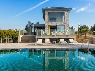 Divine 4 bedroom Sea View Villa, Akrotiri