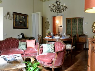 Luxury Old Borgo Vico Apartments