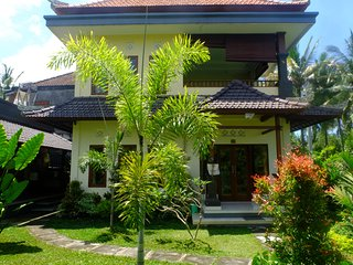 Anugrah House  - 1 Bdr, Swimming Pool, rice field and garden view