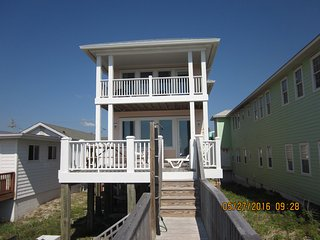 New in 2014, Retro Beach House, All the amenities, Carolina Beach