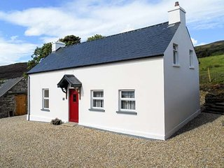 GEORGE'S COTTAGE, solid fuel stove, yard, stunning views, nr Fahan Ref 926821
