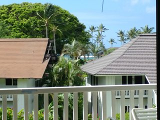 AMAZING CONDO IN POIPU~PEAK A BOO OCEAN VIEWS, Poipu