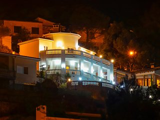 Villa BellaTossa avec vue imprenable,calme,piscine, Tossa de Mar