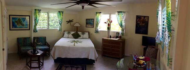 Brand new gorgeous 99' Koa fan:  romantic and breezy with mood lighting from behind the bed :)