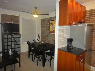 Furnished 2-Bedroom Apartment at Greenwich Ave & 4th St New Haven