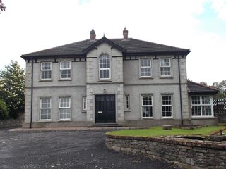 ROOMS for rent in Country Home, with dog kennels, Castlederg