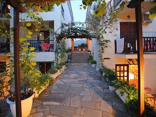 Skopelos Lux Studio A Prodromina, Skopelos Town