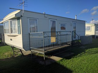6 Berth pet friendly caravan - North Shore site skegness, Skegness