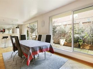 Luxueux Loft de 100 m2 terrasse idéalement situé, Neuilly-sur-Seine